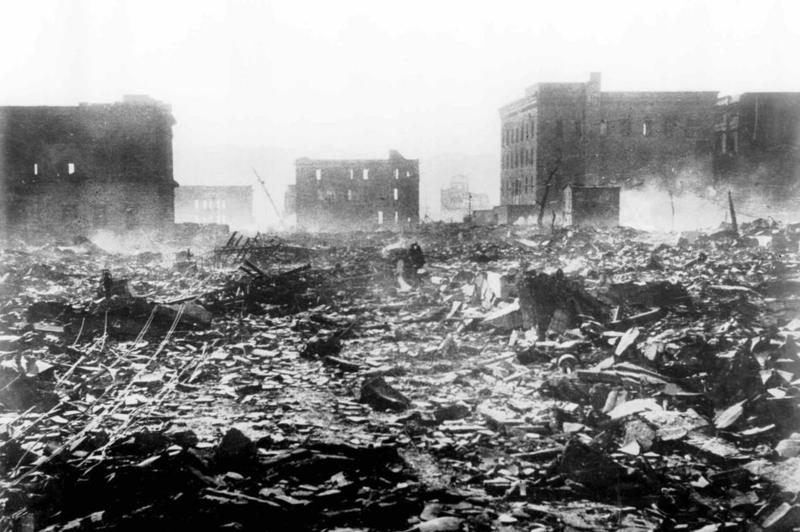 atomic bomb on hiroshima On august 6, 1945, after 44 months of increasingly brutal fighting in the pacific, an american b-29 bomber loaded with a devastating new weapon appeared in the sky over hiroshima, japan.